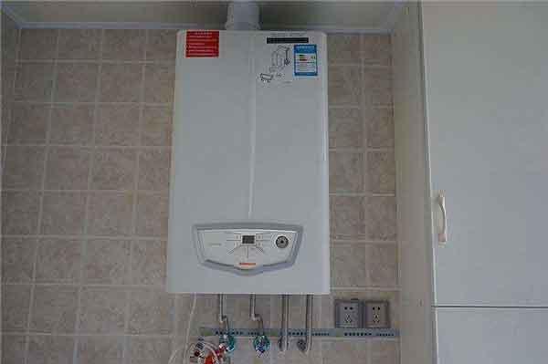 采暖期结束应该如何保养家里的壁挂炉